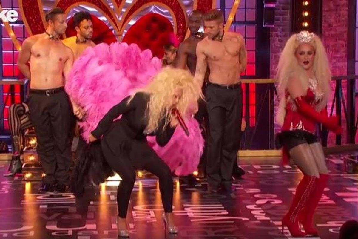 """Watch Christina Aguilera and Hayden Panettiere Lip-Sync to """"Lady Marmalade"""""""