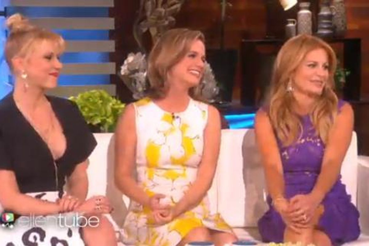 The Ladies of Fuller House Stopped By Ellen And Premiered the Show's All New Trailer