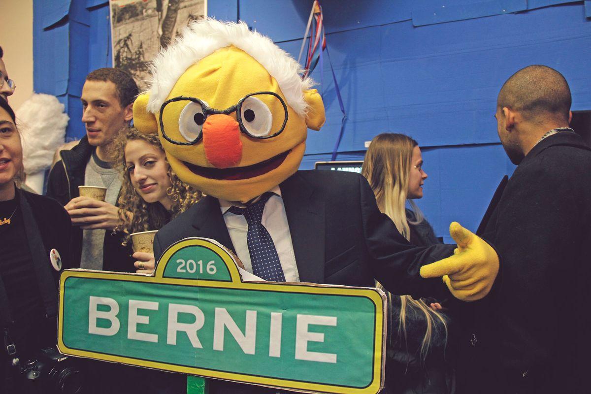 "Inside ""Weekend With Bernie"", A Bernie Sanders-Themed Art Exhibition In Brooklyn"
