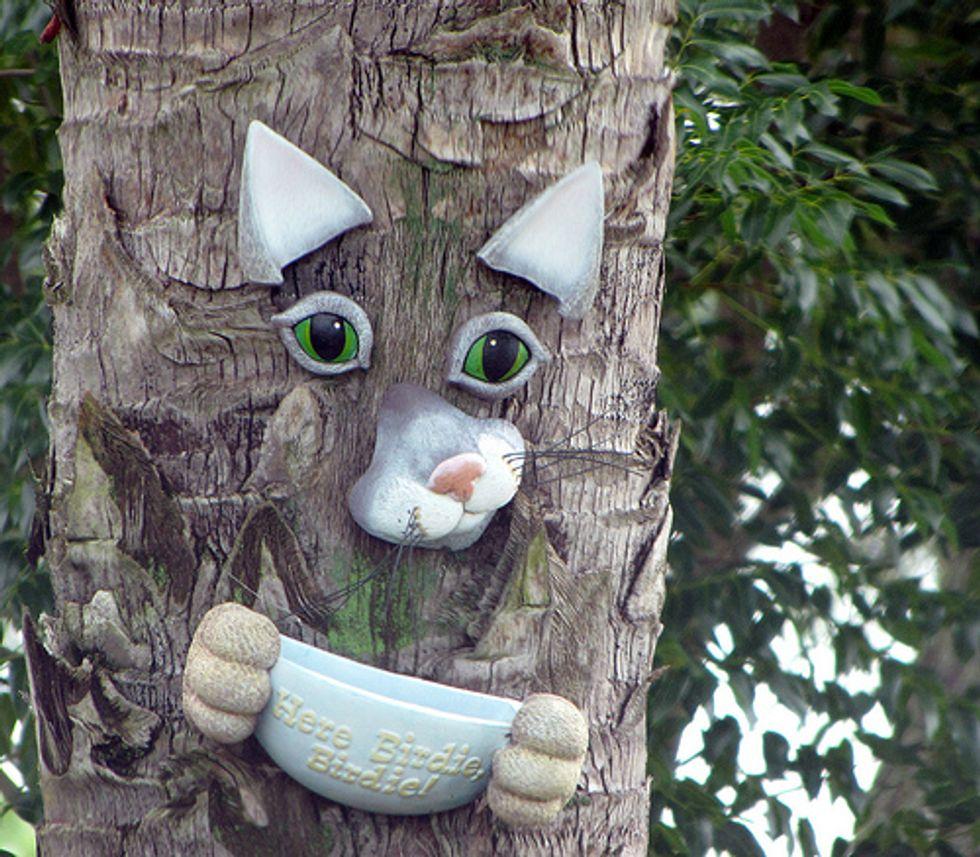 10 Interesting Cat Sculptures