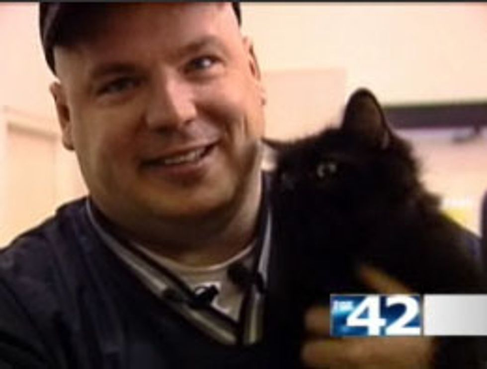 Cat Reunites with Owner after Missing for 2 Years