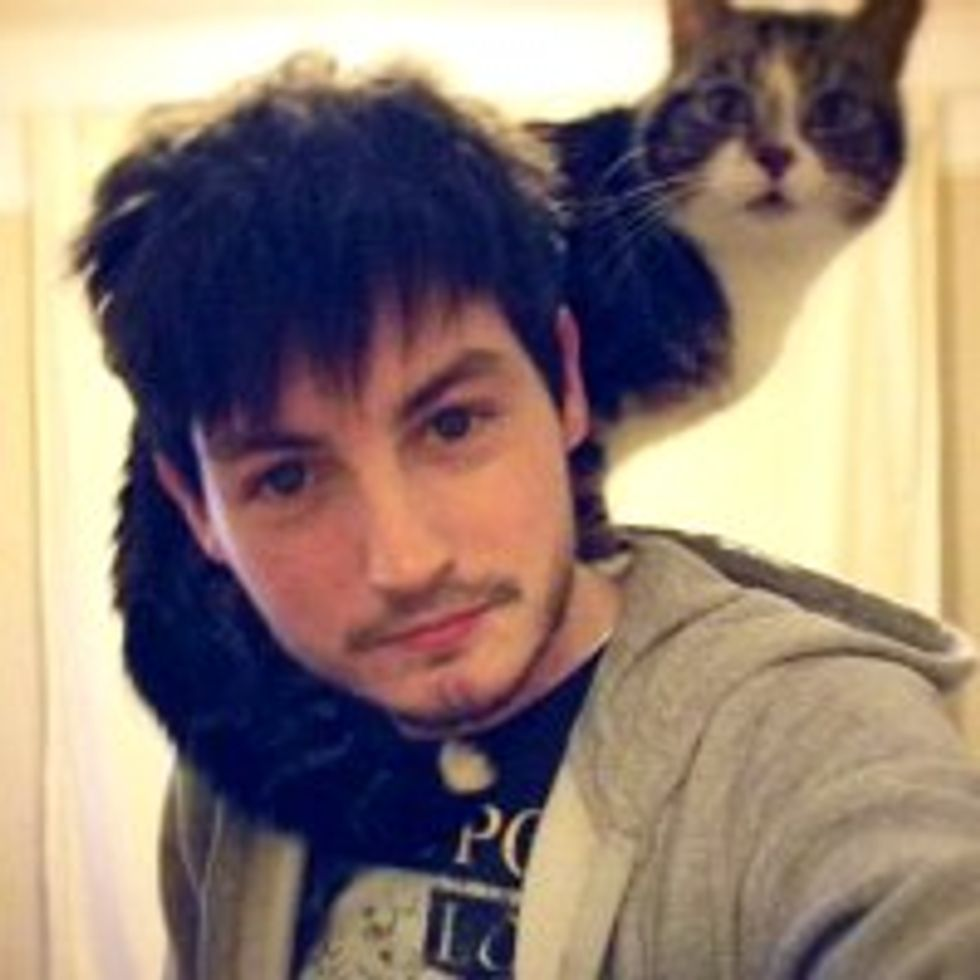 Men Who Proudly Carry Their Shoulder Cat