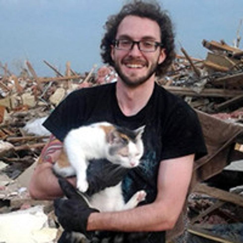 Family Cats Survive OK Tornado By Hiding Under Bed