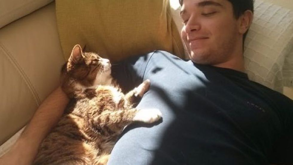 Mowgli the Cat is This Man's Best Friend for 20 Years!