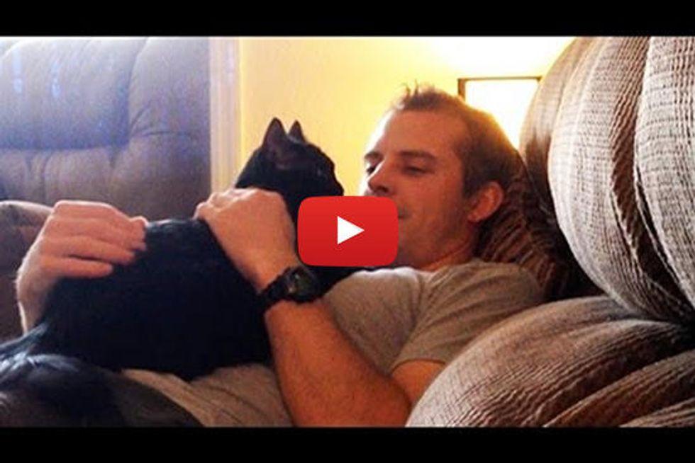 Real Men Hug Cats!