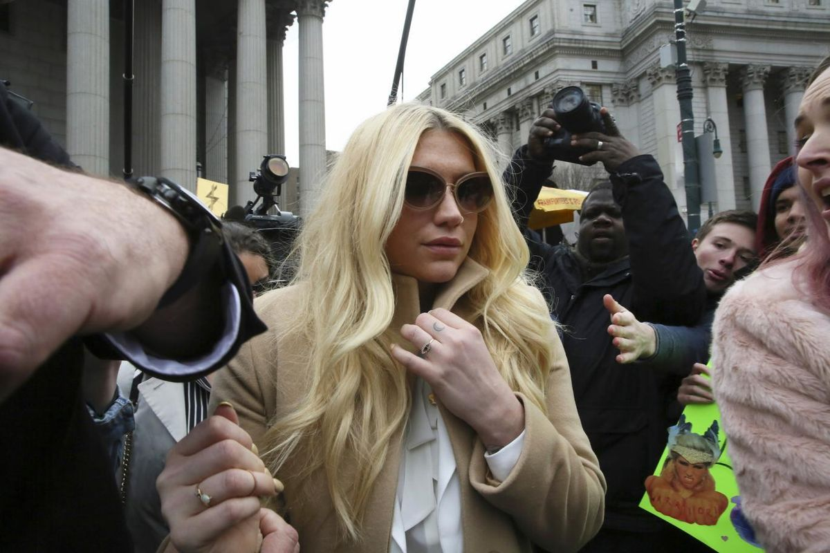 """Dr. Luke Denies Kesha's Sexual Abuse Allegations In New Tweets, Says It's All """"Motivated By Money"""""""