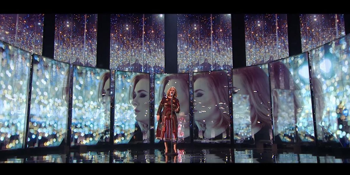 """Adele On The Insane Mirrored Room From Her """"When We Were Young"""" Performance"""