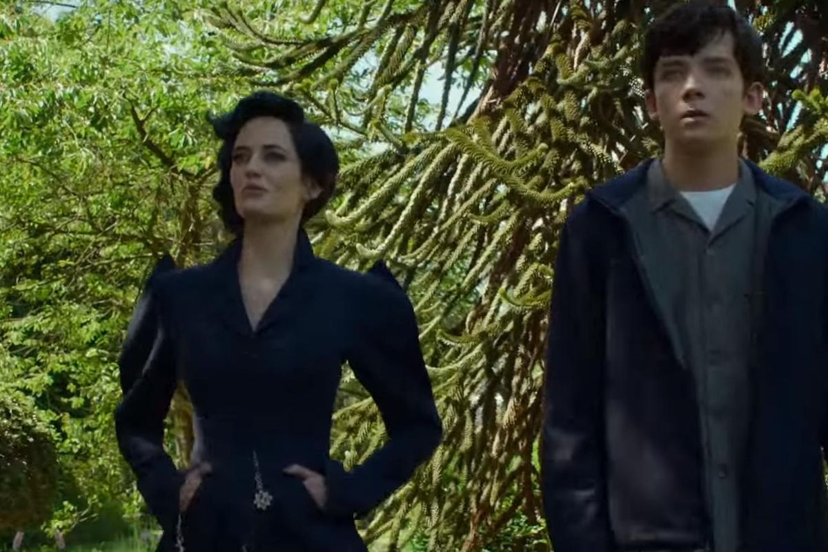 """Watch The Enchanting Trailer For Tim Burton's """"Miss Peregrine's Home For Peculiar Children"""""""