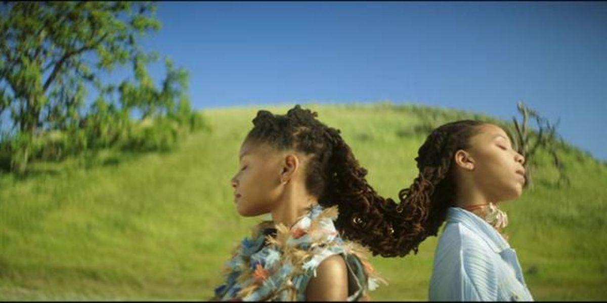 """Watch Teen Queens Chloe x Halle's Video for """"Drop"""""""