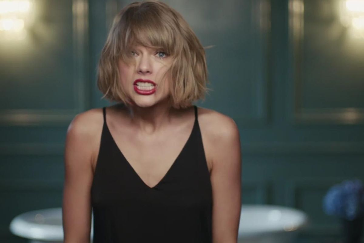 Watch Taylor Swift Channel 2001 In Newest Apple Music Commercial