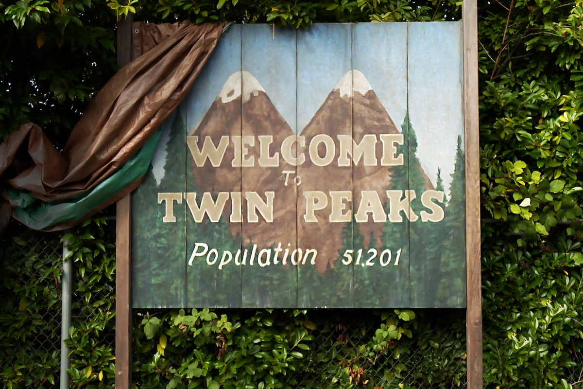 The Twin Peaks Reboot's Full Cast List Is Bonkers