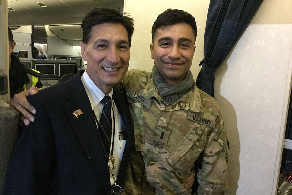 2eca8e173fb Captain Surprises Military Son on Flight Home from Deployment ...