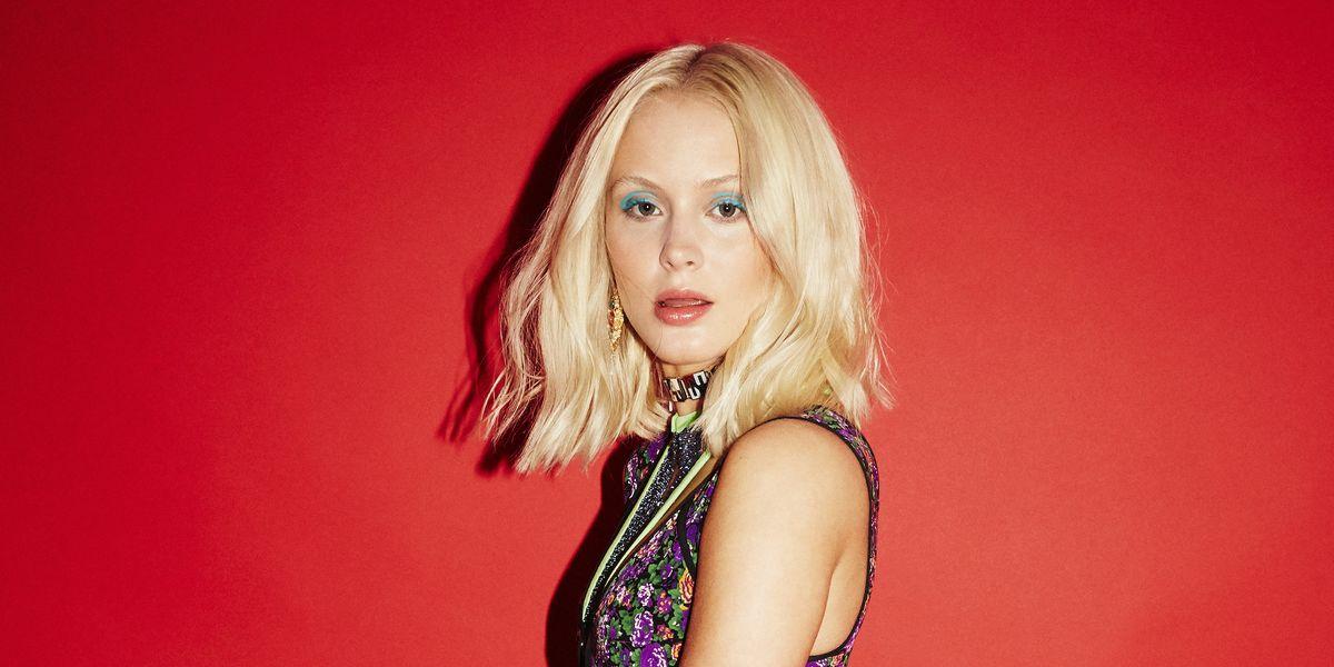 Larsson nipple zara Zara Larsson