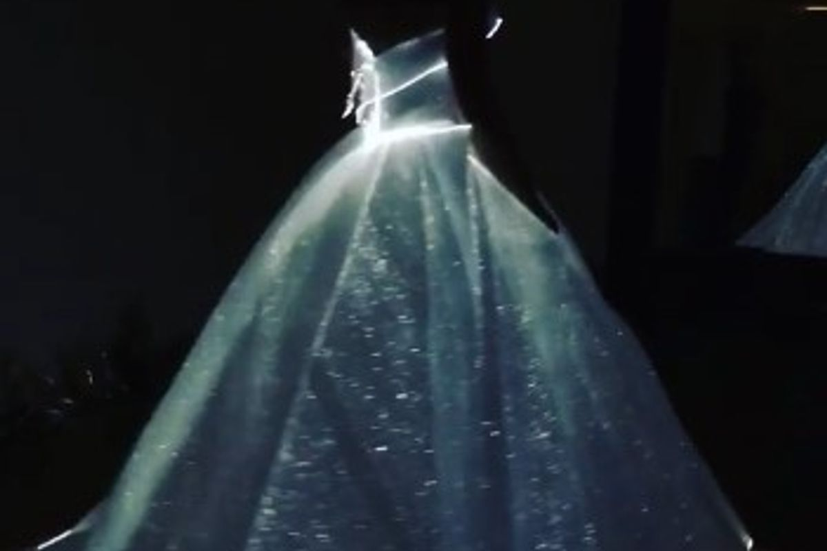 Claire Danes Glows In The Dark At Met Gala