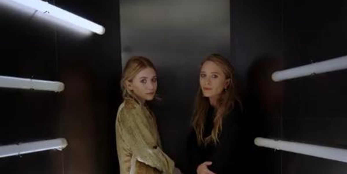 Peep This David Lynchian Moment With The Olsen Twins At The Met Ball