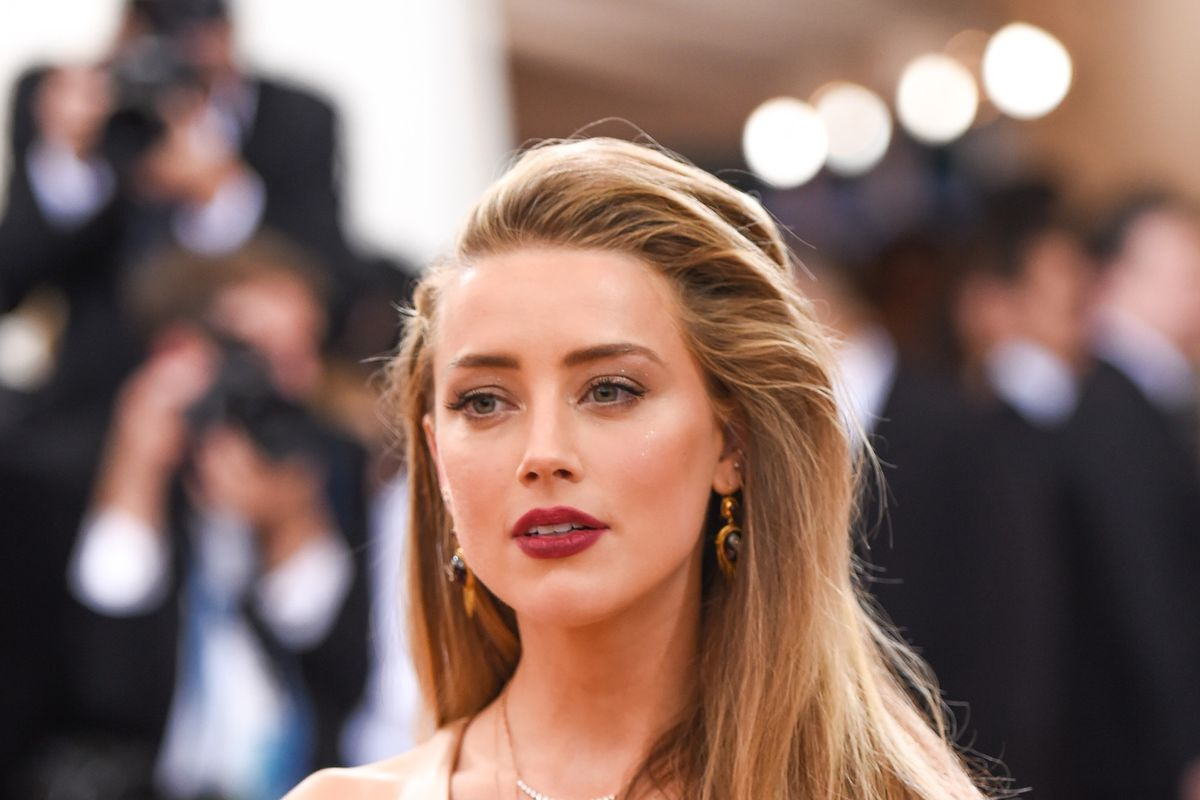 Amber Heard Sues Comedian Doug Stanhope For Accusing Her of Blackmail