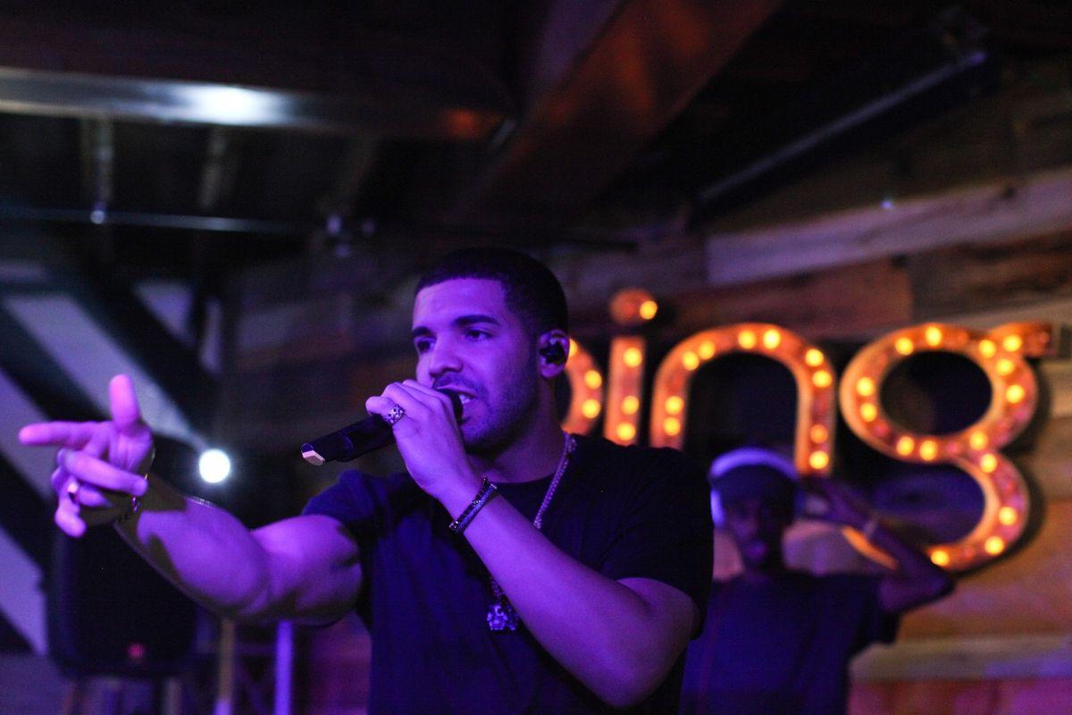 Watch An Adorably Awkward Young Drake Do Improv