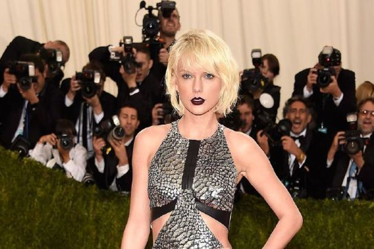 Taylor Swift Is Renting A $40,000 A Month West Village Carriage House, While Her $19 Million Tribeca Apt Is Renovated