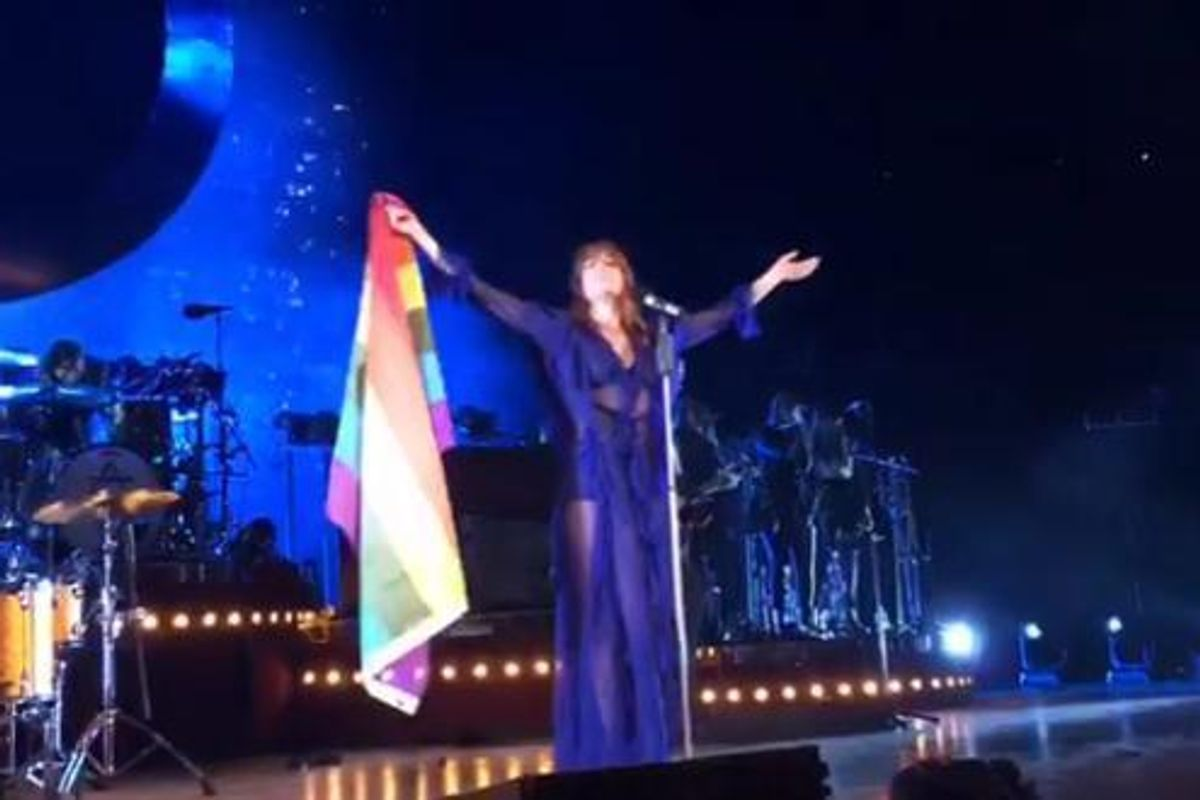 """Watch Florence Welch Start A """"Love Is Love"""" Chant At Brooklyn Concert"""