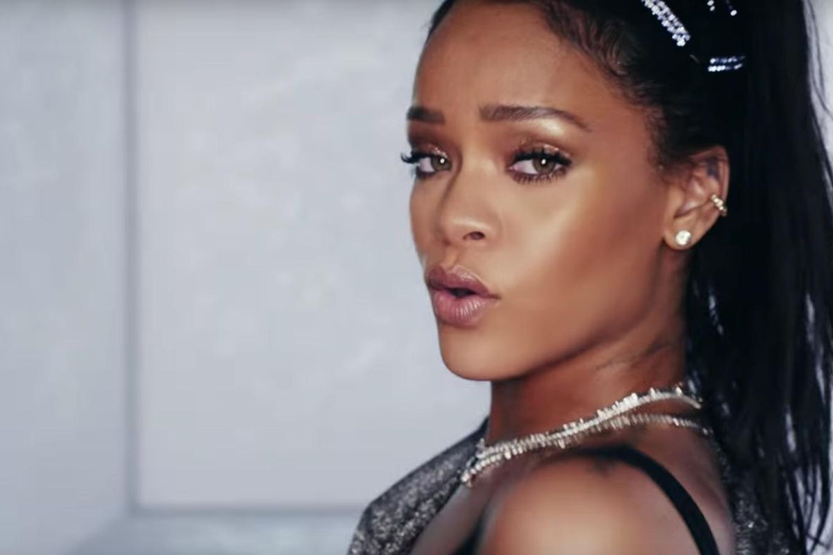 """Watch A Bedazzled Rihanna Saunter Around In The Video For Calvin Harris's """"This Is What You Came For"""""""