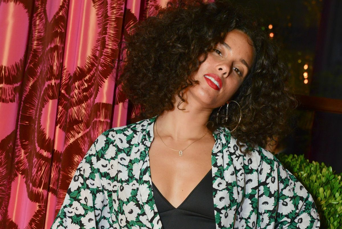 """Alicia Keys Premieres Short Film """"Let Me In"""" For World Refugee Day"""