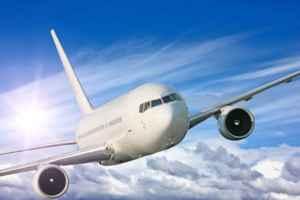 U.S. Lags as Europe Adopts Airline Pollution Rule