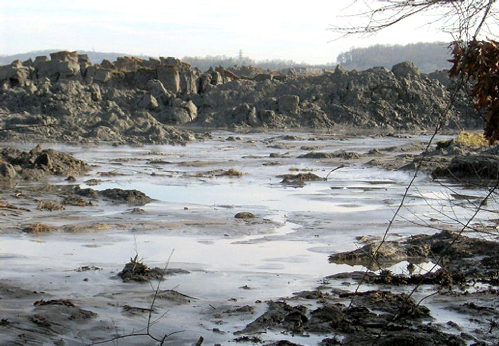 Three Years After Kingston Spill, Coal Ash Dumping Continues to Rise