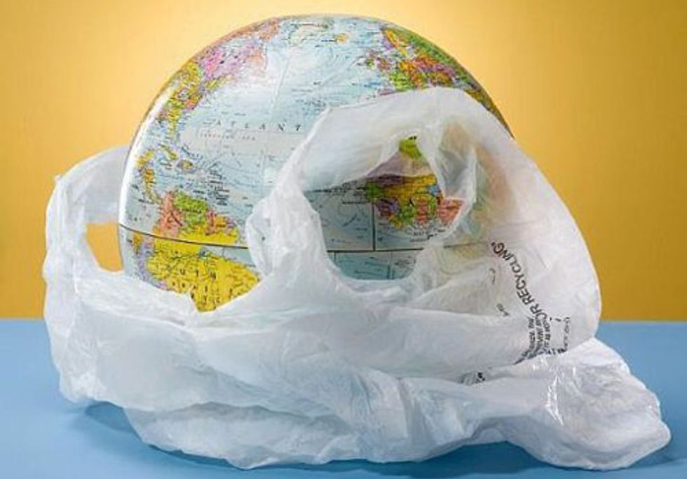 Public Shows Overwhelming Support for Plastic Bag Ban in Europe