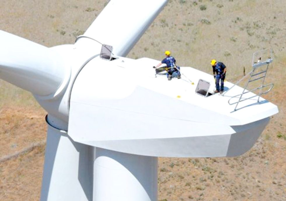 World Wind Power Climbs to New Record in 2011