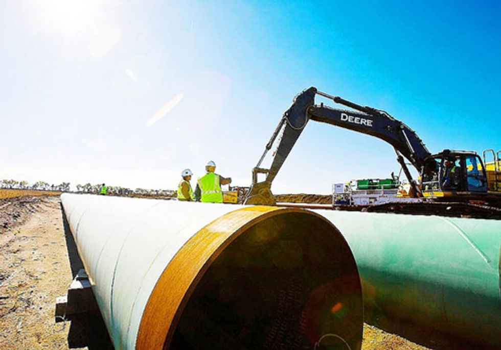 Groups Slam Obama's Decision to Expedite Southern Segment of Keystone XL Pipeline