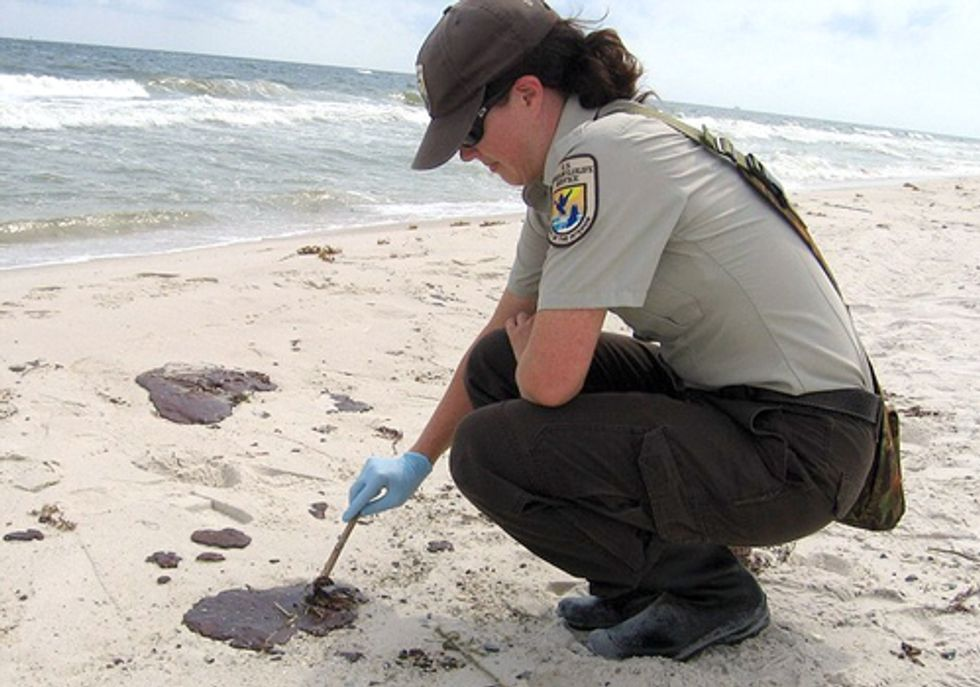 Deadly Bacteria Found in Gulf Coast Tar Balls