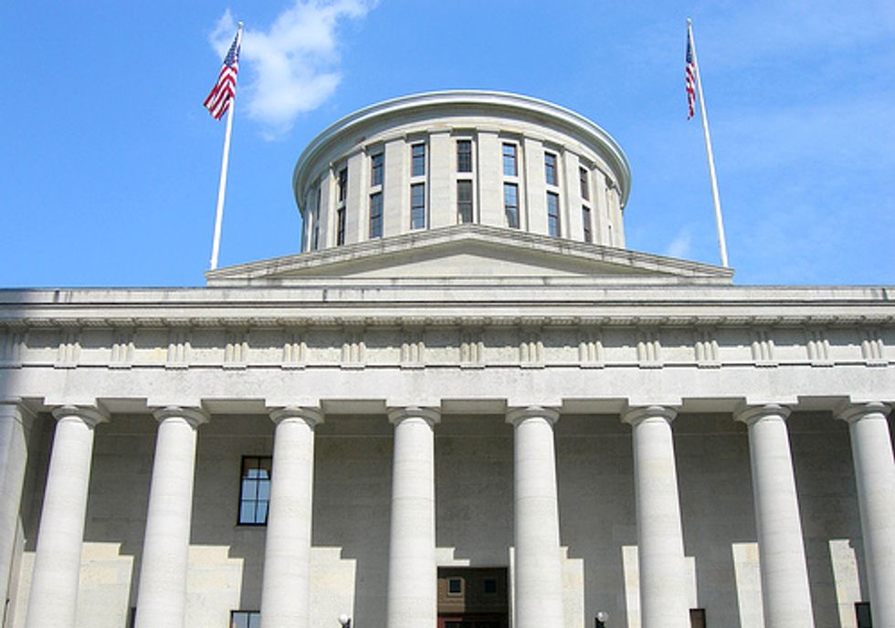 Rally at Ohio Statehouse Disputes Proposed Shale Drilling Regulations