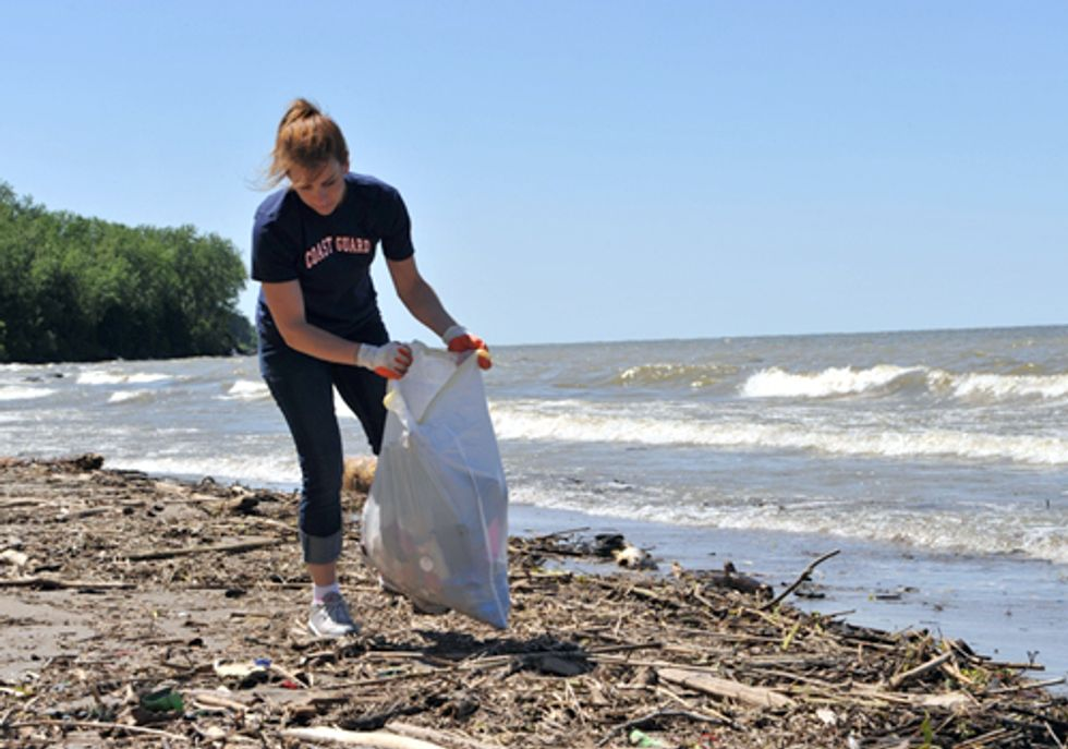 EVENT: Clean-up at Edgewater Park to Keep Great Lakes Beaches Barefoot-Friendly