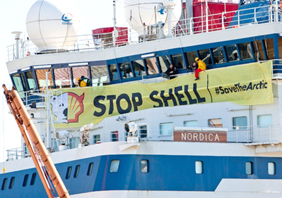 Activists Occupy Shell Icebreaker in Finland