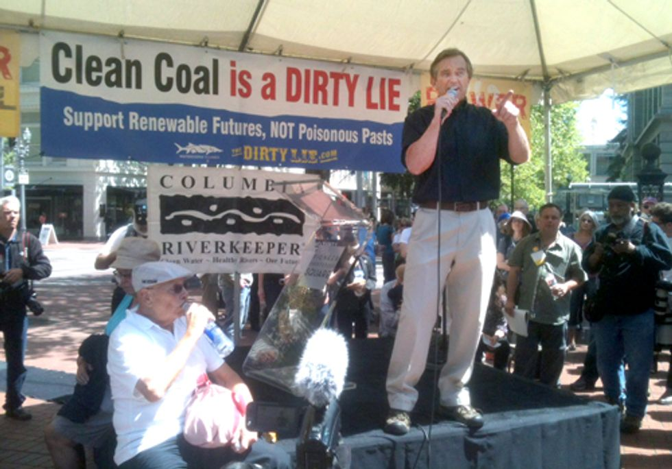 Hundreds Protest Coal Exporting at Rally with Robert F. Kennedy, Jr.