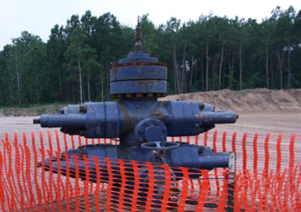 Citizen-Led Ballot Initiative to Ban Fracking Begins in Michigan