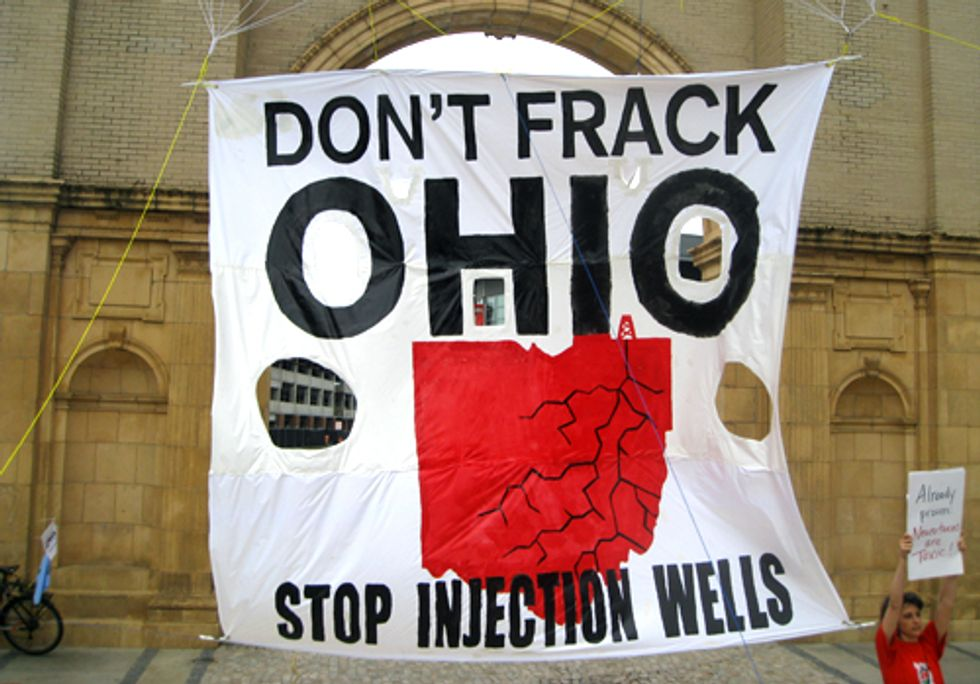 Citizens Ban Fracking at Ohio Statehouse Rally