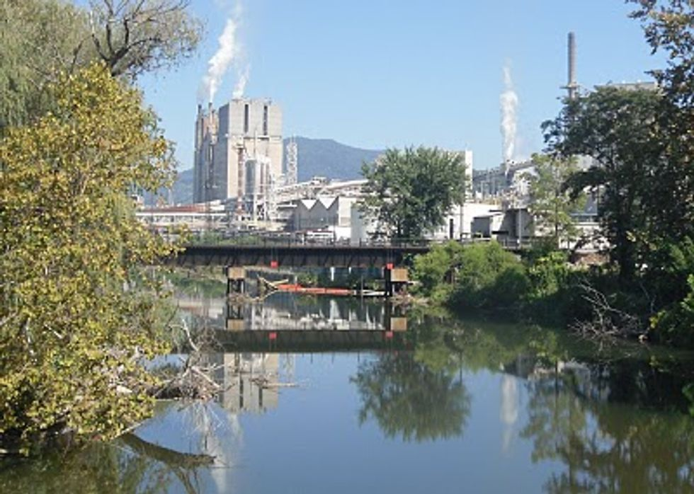 North Carolina Industries Continue to Resist Regulations on Air Pollution
