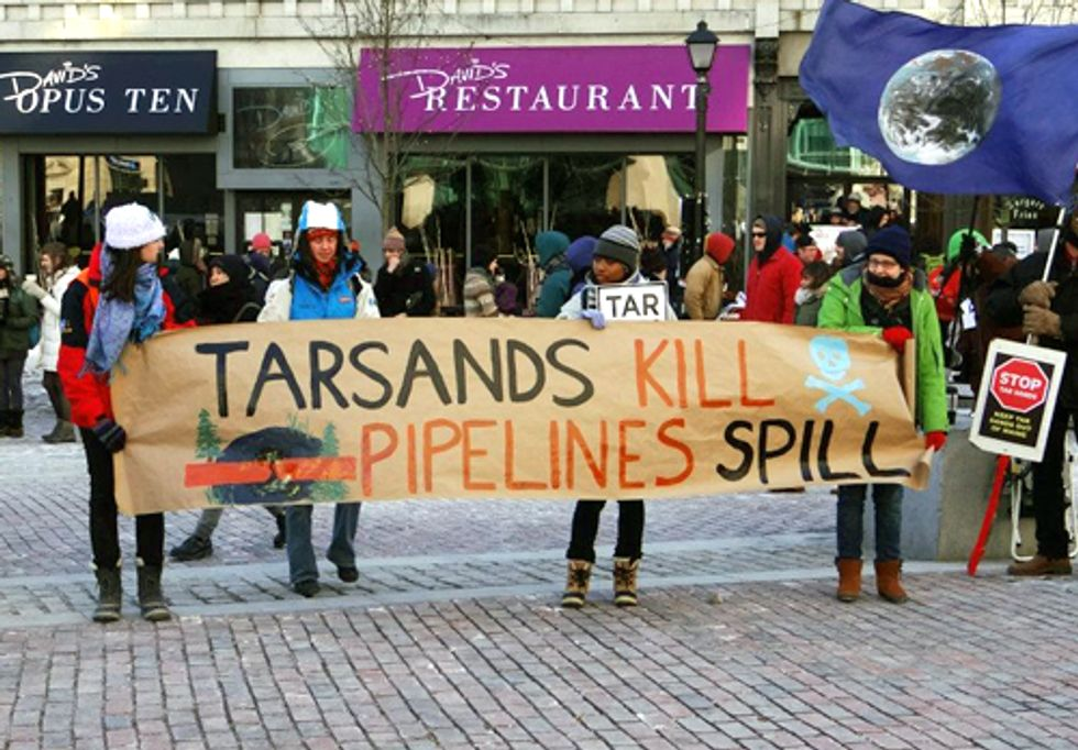 Hundreds Rally Against Proposed Tar Sands Pipeline