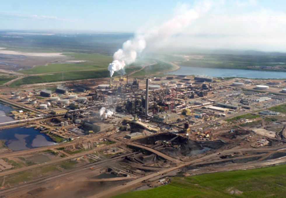 New Video Explains Climate Threat from Keystone XL Tar Sands Pipeline