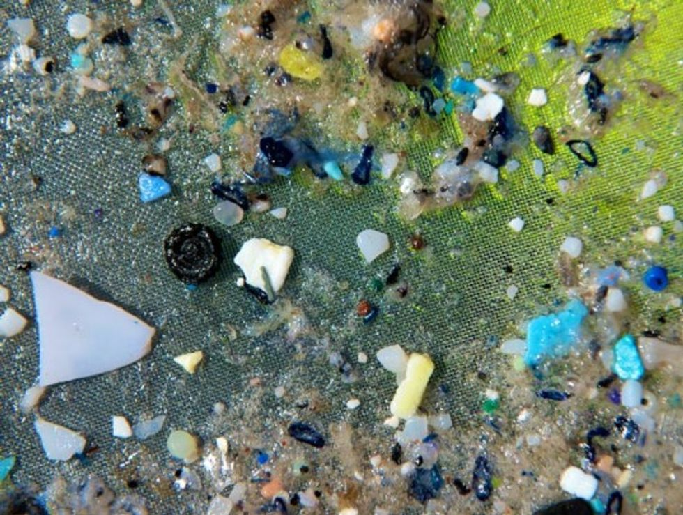The Fallacy of Cleaning the Gyres of Plastic with a Floating 'Ocean Cleanup Array'