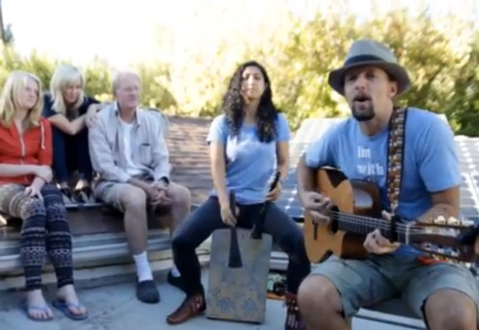 Jason Mraz Sings from My Rooftop in Support of the Climate Reality Project
