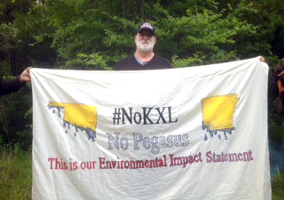 Keystone XL: Activist Locks Himself to Machinery, Marks Close of State Department Comment Period
