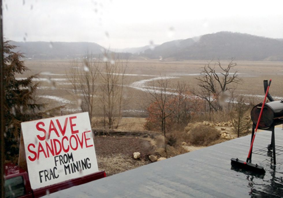 Iowa: Fracking Industry's Next Frac-Sand Target