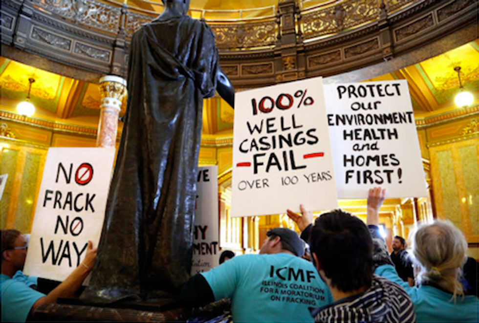 Illinoisans Urge Gov. Quinn to Reject Fracking Bill and Pass Moratorium