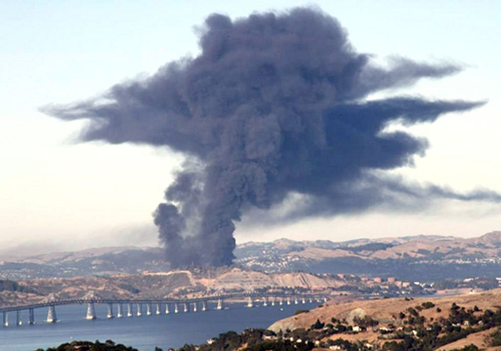 Chevron Refinery Explosion Fires up Local Residents