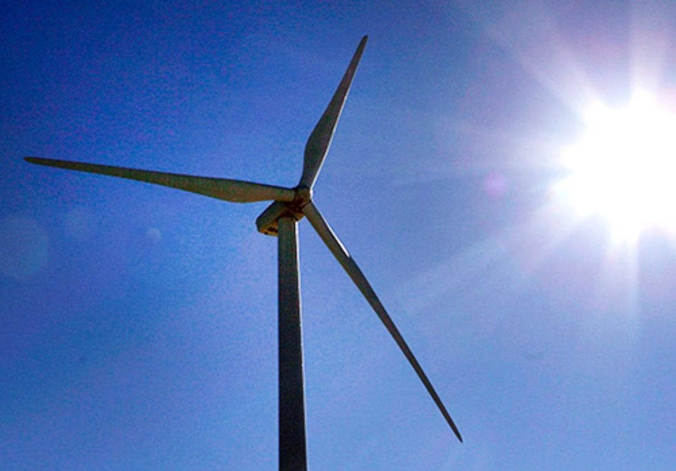 Wind Power Lowers Electricity Costs