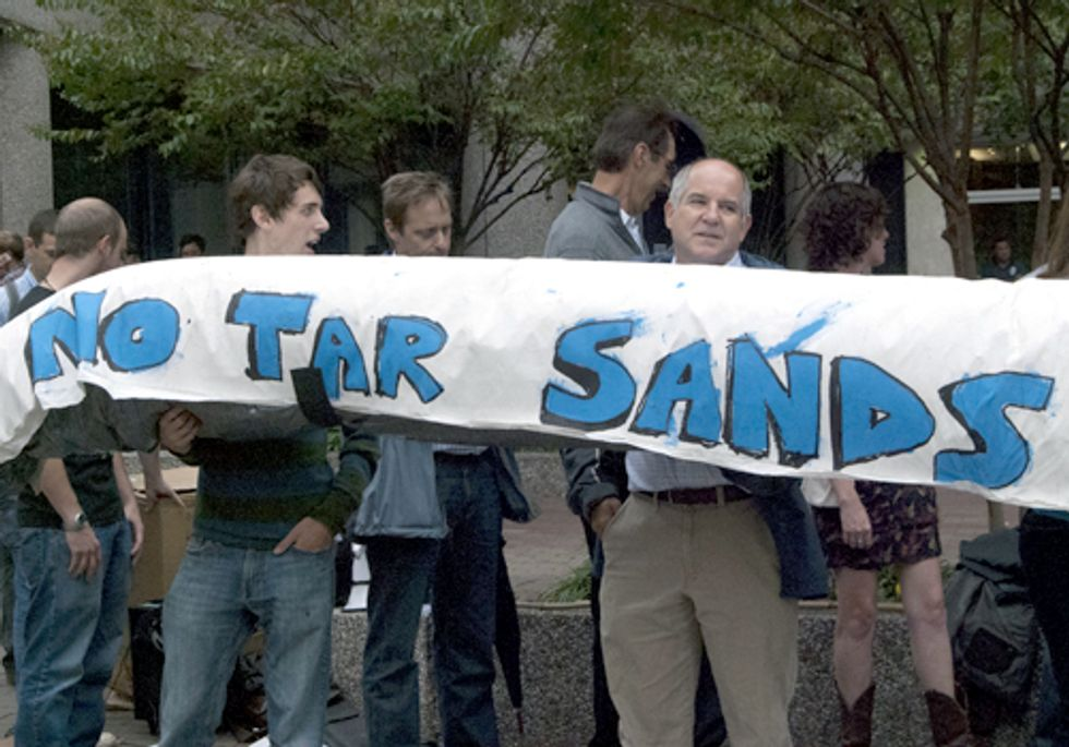 Solidarity Rallies Abound in Support of Tar Sands Blockade