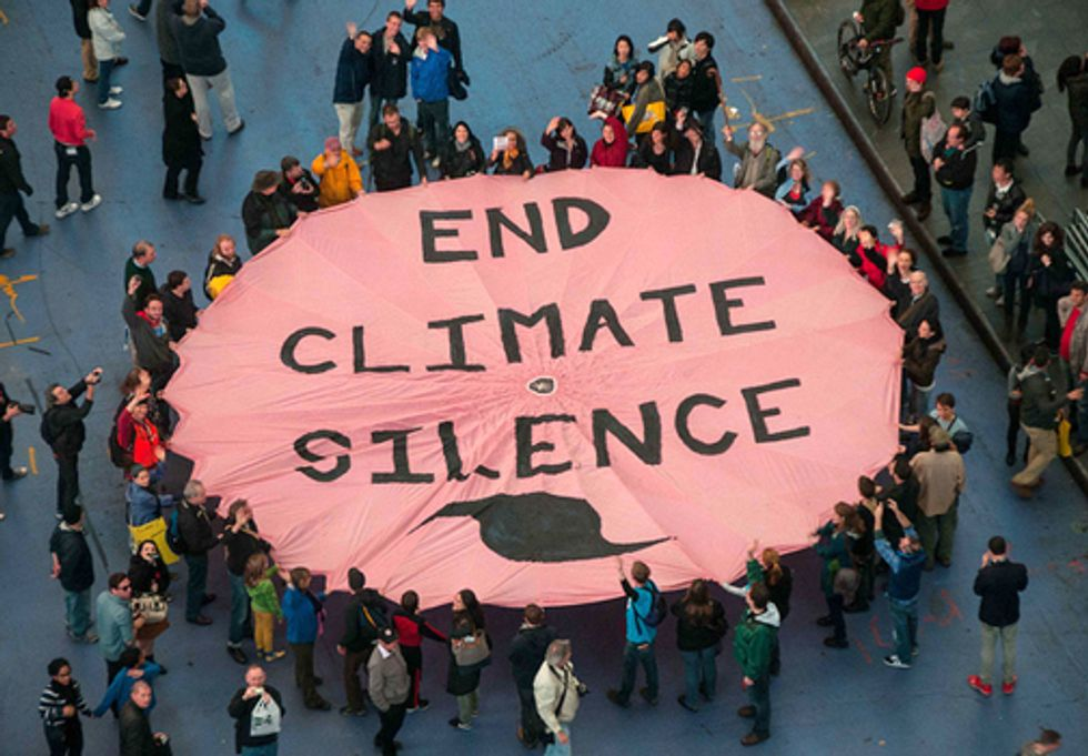 Activists Unfurl Giant 'End Climate Silence' Banner in Times Square