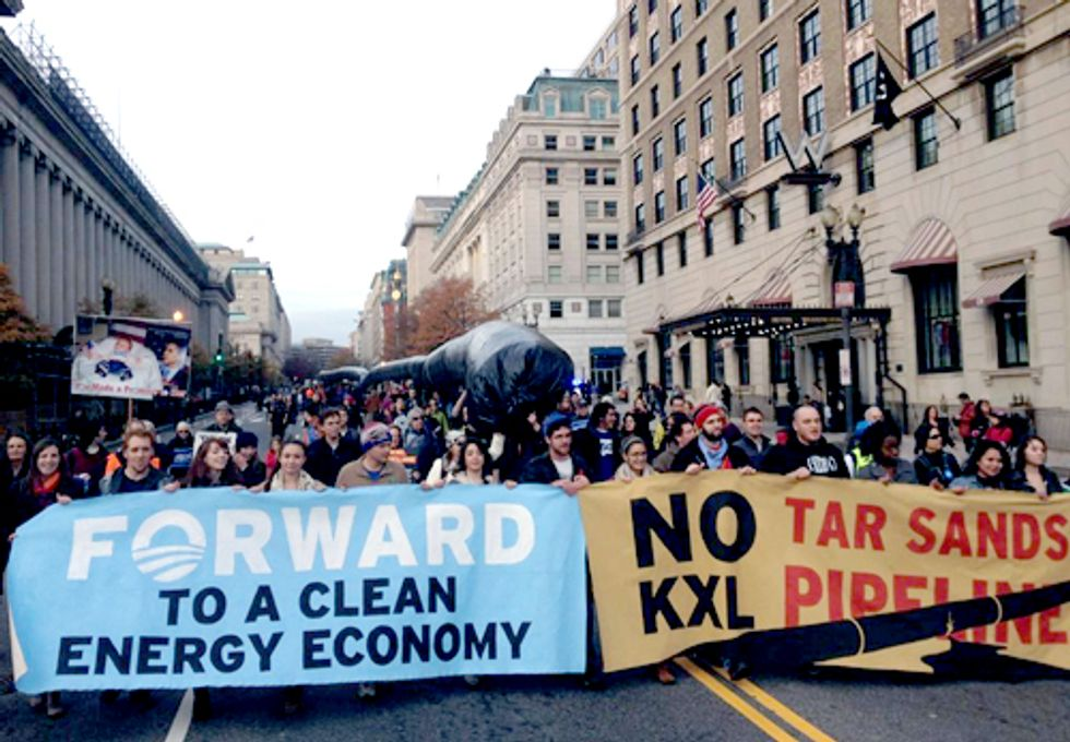 3,000 Marched Around White House Saying No Keystone XL Pipeline, Yes Climate Solutions